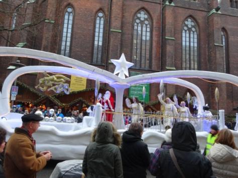 der Weihnachtsmann und seine Engel