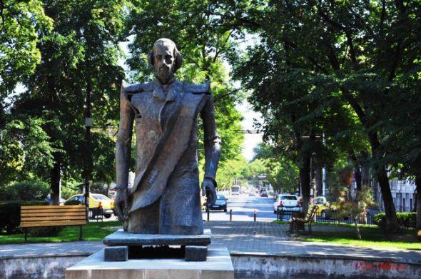 balcescu statue